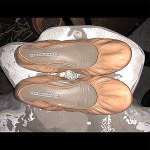 Vera Wang tan patent leather ballet flats